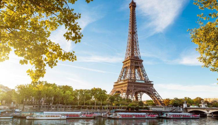 paris-france-la-tour-eiffel-490