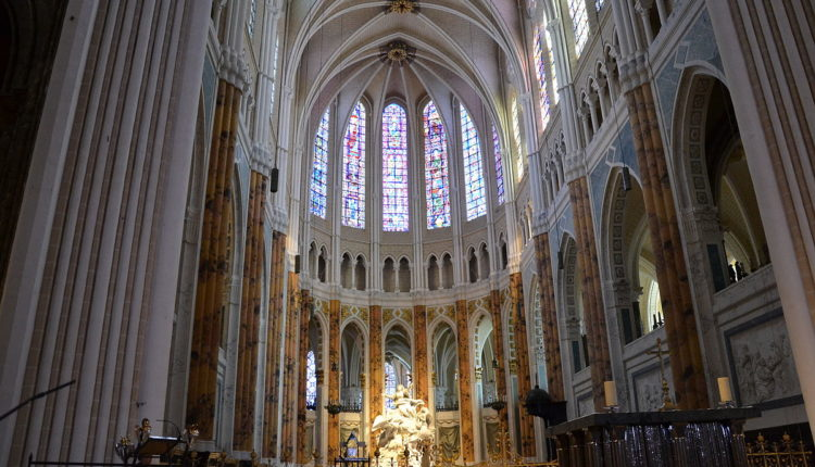 1200px-Chartres_-_Cathédrale_15[1]