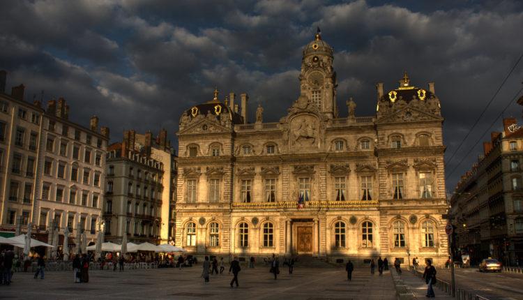 World___France_Area_in_Lyon__France_071986_[1]