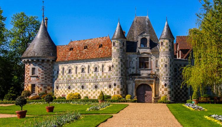 2017World___France_Chateau_de_St_Germain_de_Livet_with_green_lawn__France_121223_[1]