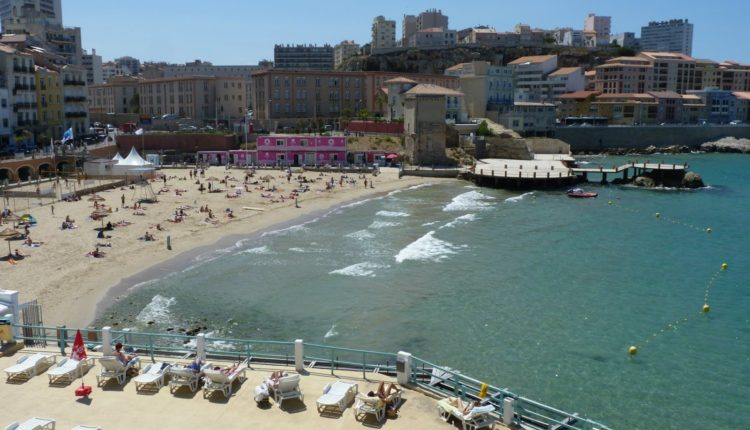 537046-calanques-france-marseille-nature-panorama-panoramic-provence-rivages-sea-prado-plage-beach-corniche[1]